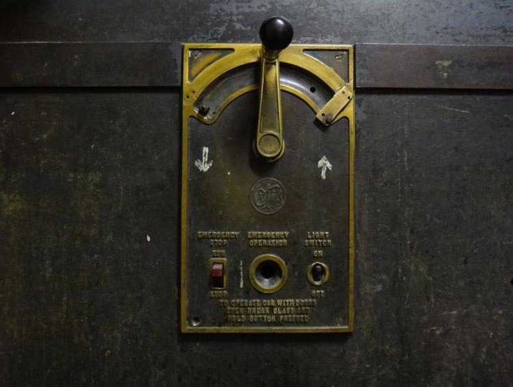 Cavinder Elevator